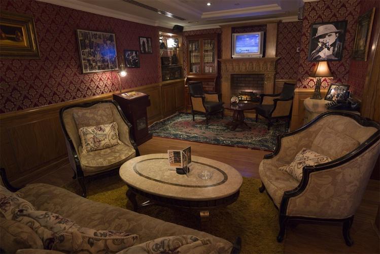 夏洛克·福尔摩斯英语酒吧 阿拉伯庭院水疗酒店 酒店和水療中心 迪拜酋长国